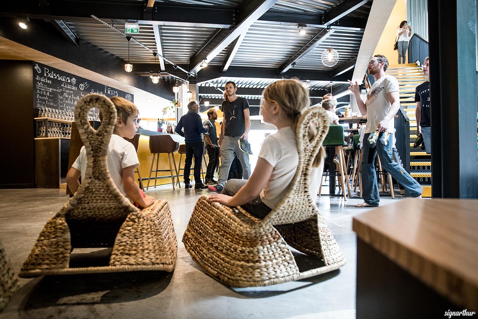 enfant - coté Chill - Vertical'Art - salle d'escalade restaurant et bar