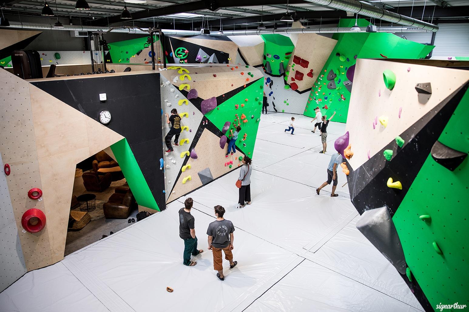 salle d'escalade en Sartre - Le Mans - indoor - restaurant et bar