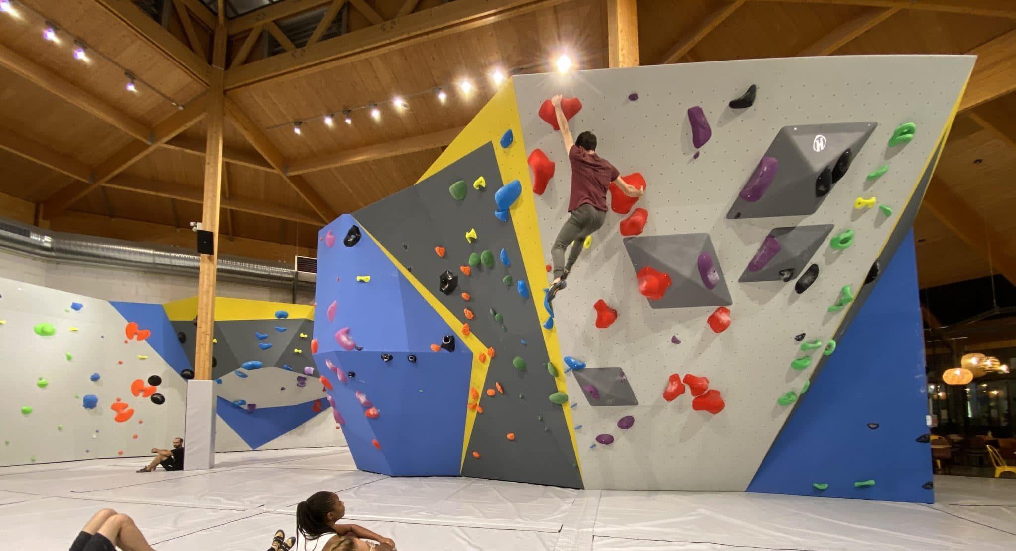 Salle d'escalade, Vertical'Art Le Mans, escalade en Sarthe, salle de bloc, cours d'escalade enfant, stage d'escalade